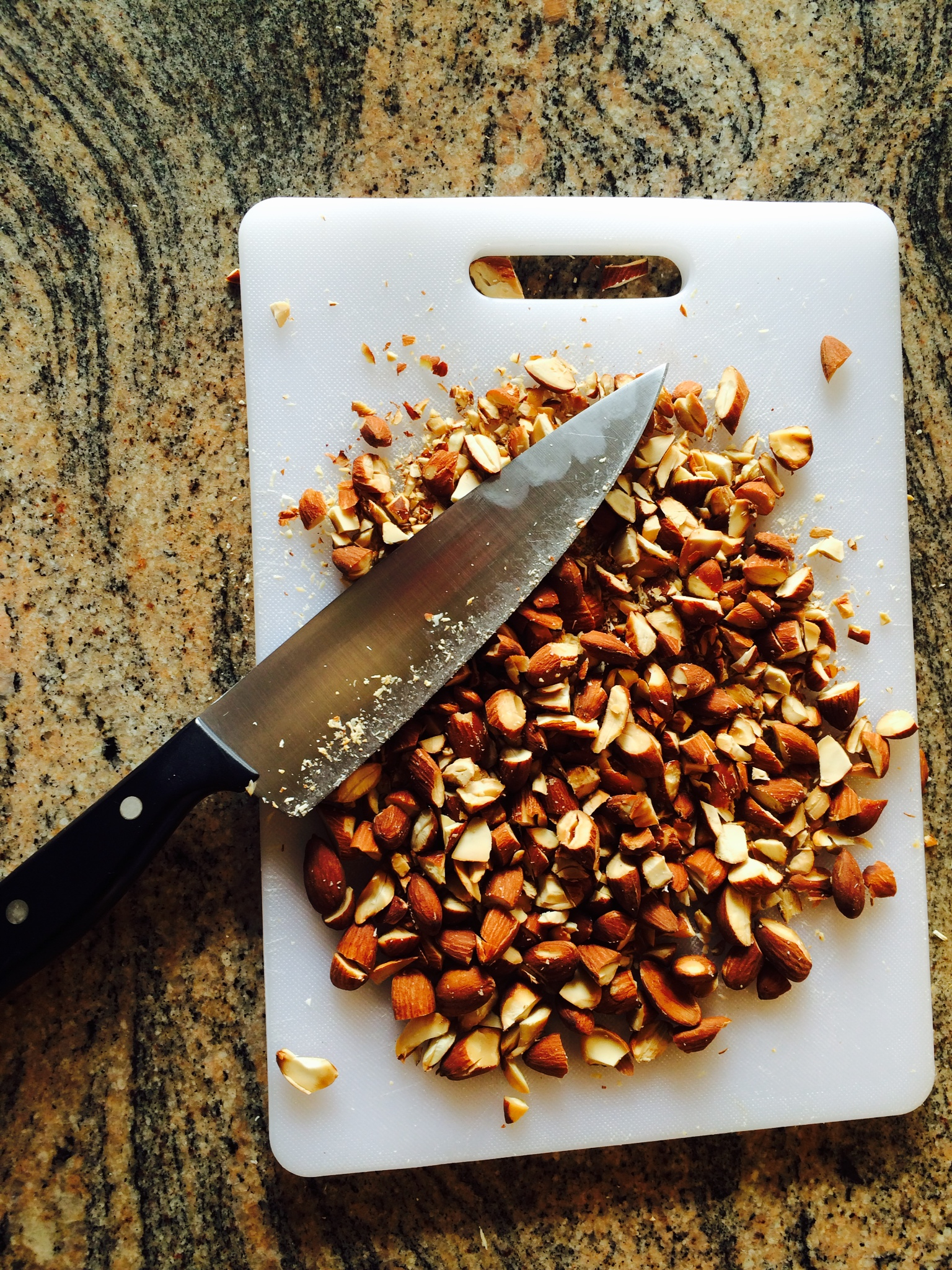 Energy bar recipe recipe ingredients almonds asweatlife fabfitchicago