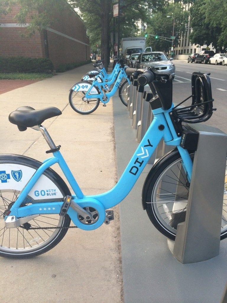 bike helmets chicago divvy bikes fabfitchicago asweatlife