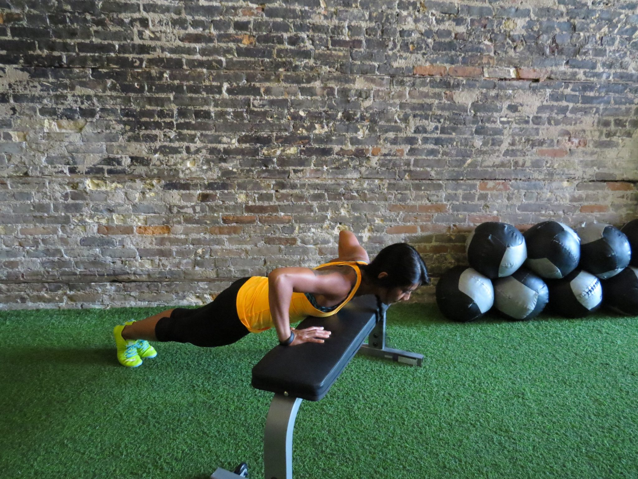 asweatlife fabfitchicago crosstownfitness workout at home no equipment workout plyo push-up