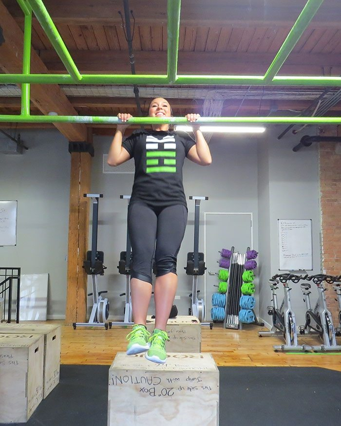 asweatlife_How to Work Your Way Up to a Pull-Up_unassisted_3