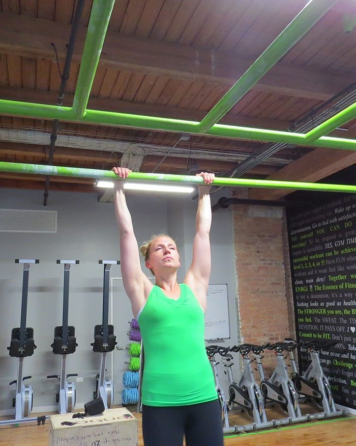 asweatlife_How to Work Your Way Up to a Pull-Up_unassisted_5