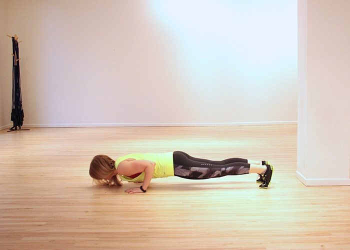 asweatlife_The Bodyweight Workout Ladder_triceps push up_2