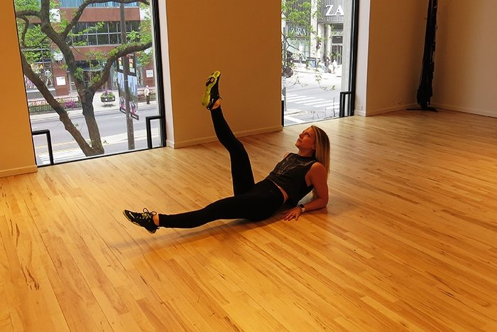 asweatlife_This Core Workout is Just in Time for Summer_Can can kicks_2