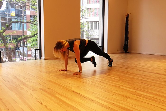 asweatlife_This Core Workout is Just in Time for Summer_Plank knee pulses forward_1