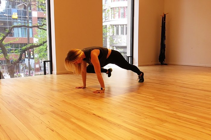 asweatlife_This Core Workout is Just in Time for Summer_Plank knee pulses forward_2