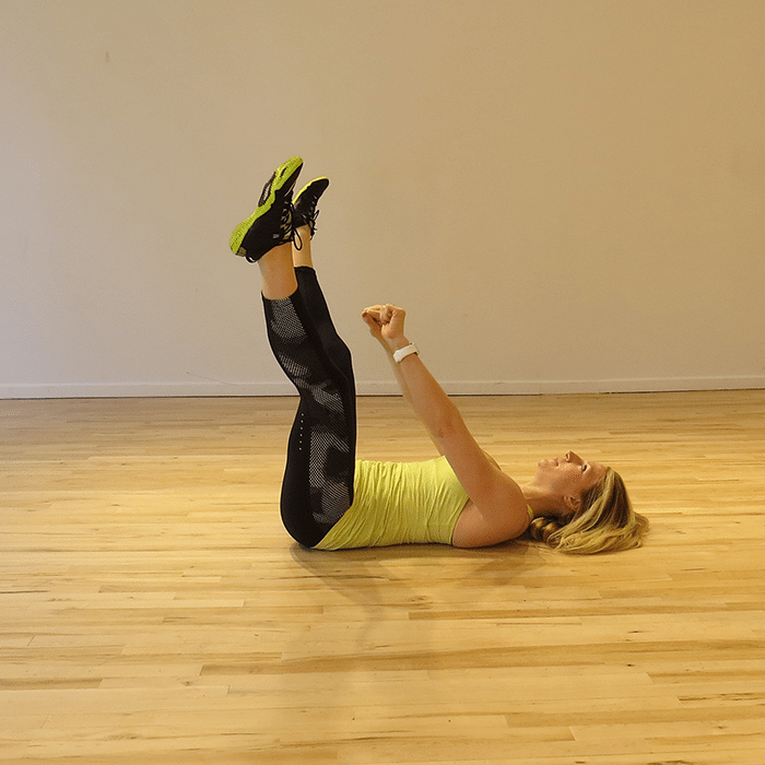 aSweatLife_a-total-body-workout-you-can-do-in-30-minutes_V-side-to-side-reach_1