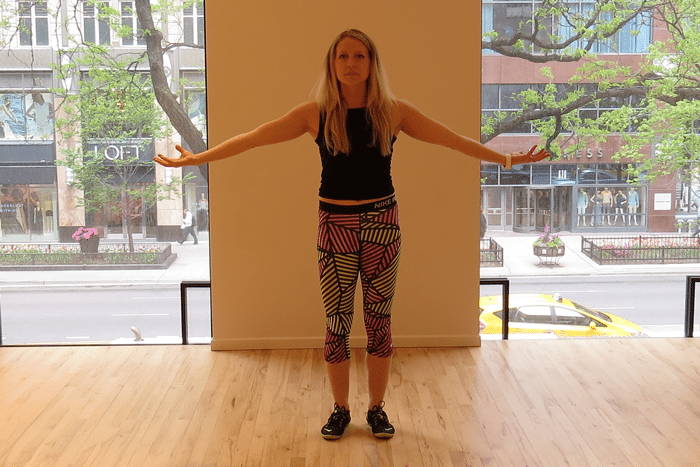asweatlife_tone-your-arms-with-just-6-moves_Large-arm-circles_3