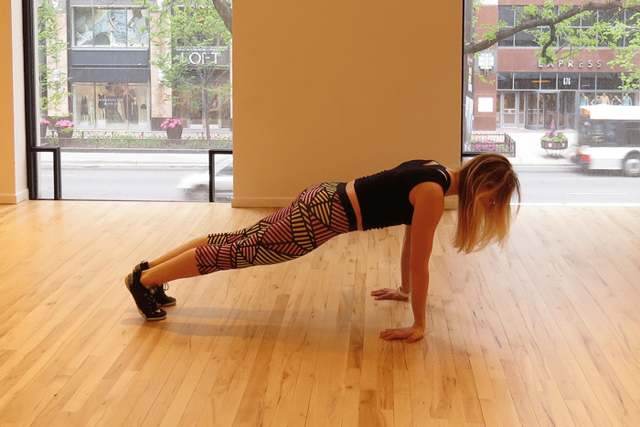asweatlife_tone-your-arms-with-just-6-moves_Planche-push-ups_1