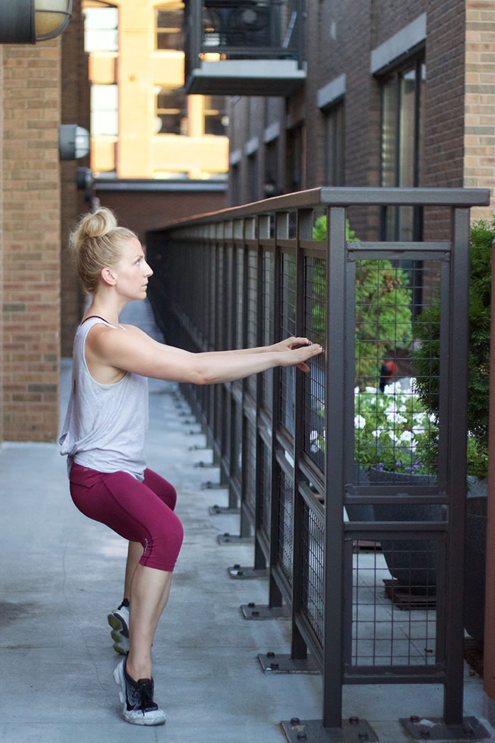 A-Quick-Barre-Thigh-Workout-(and-a-Point-Studio-Giveaway)_3