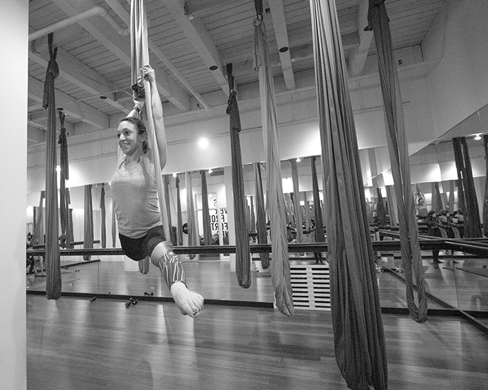 aSweatLife_Getting-inverted-at-AIR-Aerial-Fitness-for-#Sweatworking_1