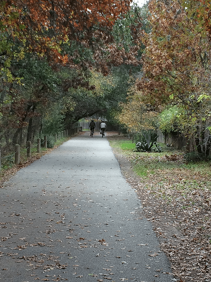 asweatlife_Active-City-Guide--Three-Great-Walks-in-San-Antonio_Hardberger_2