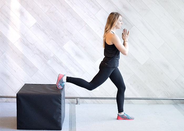 asweatlife_Workout-in-30-minutes-with-a-Chair_split-lunge_1