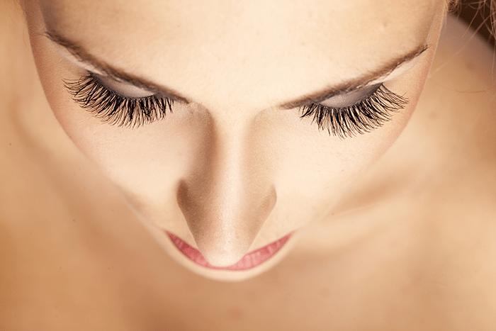 asweatlife_Can-Lash-Extensions-Make-Your-Mornings-No-Sweat