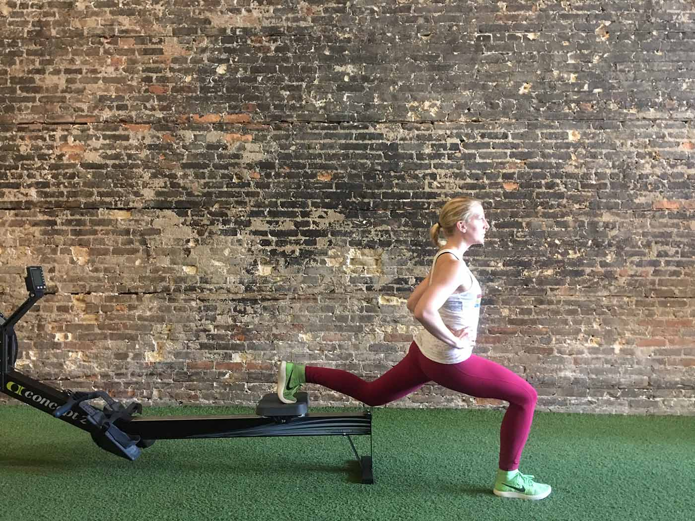 asweatlife_Rower exercises_lunge 1