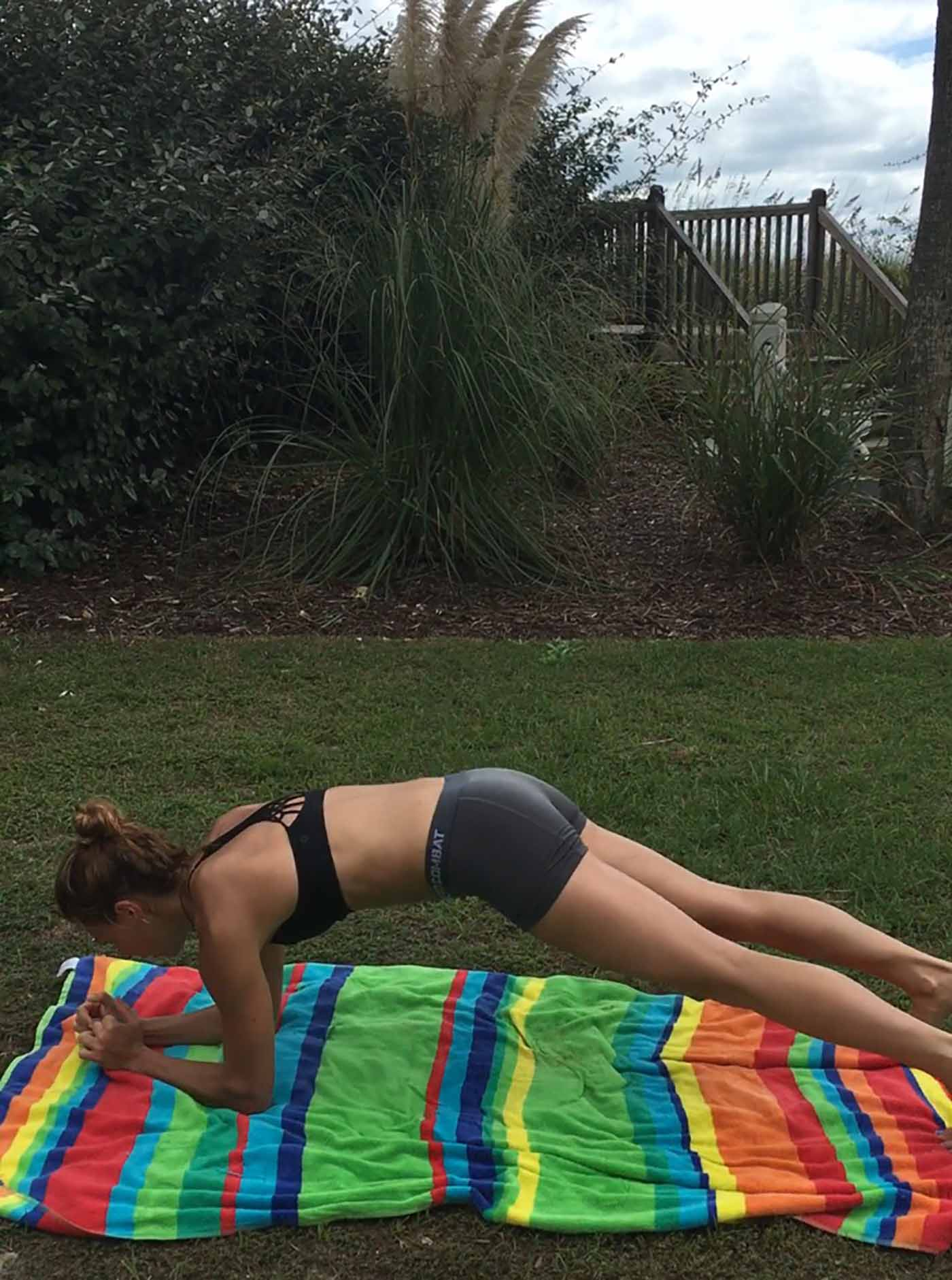 asweatlife_workout_lowplank