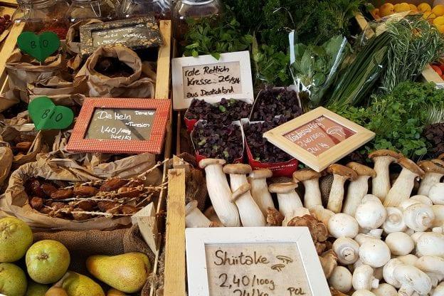 asweatlife_farmersmarket_featured