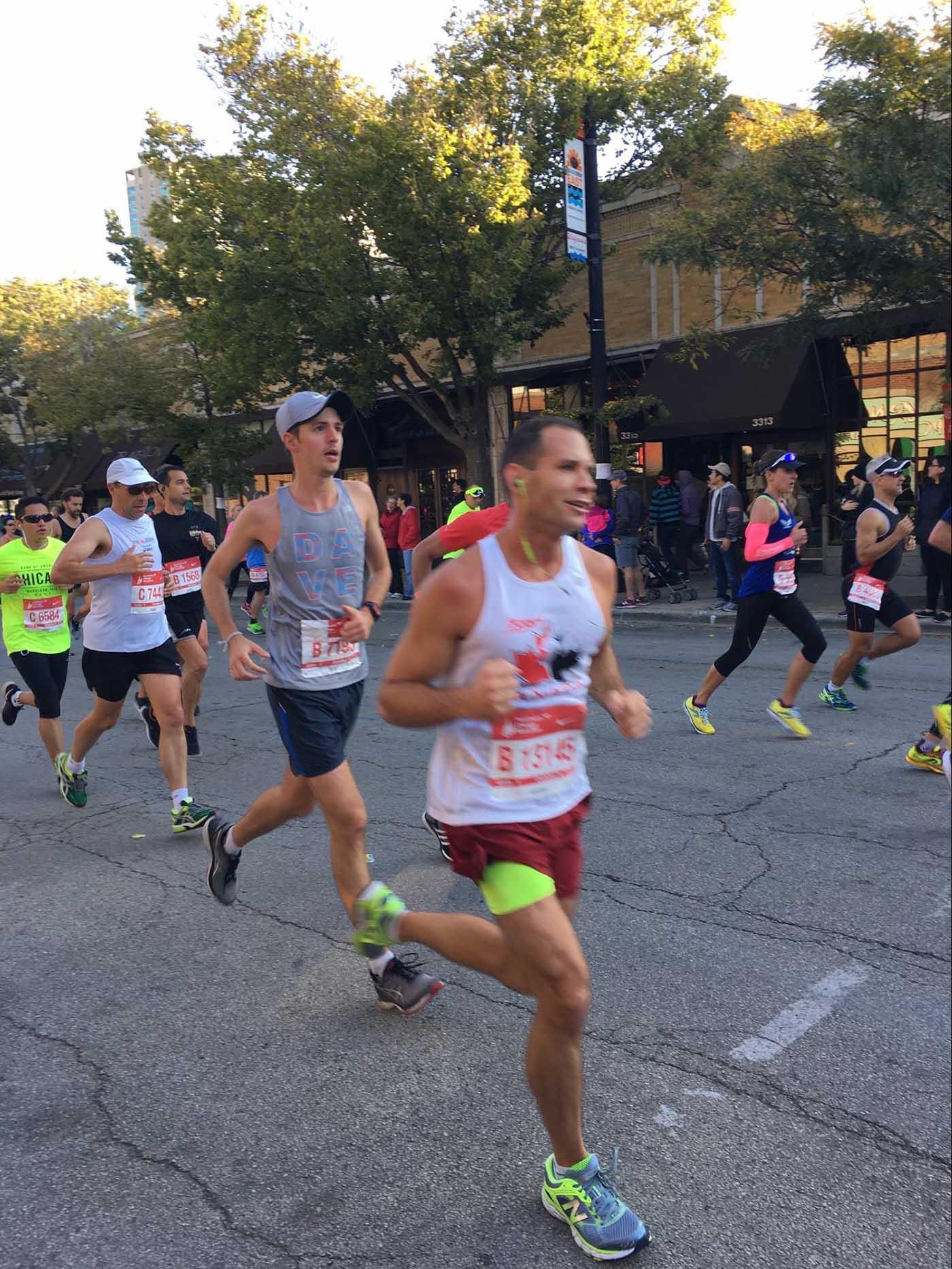 asweatlife_chicago-marathoners-honor-a-fallen-friend_2