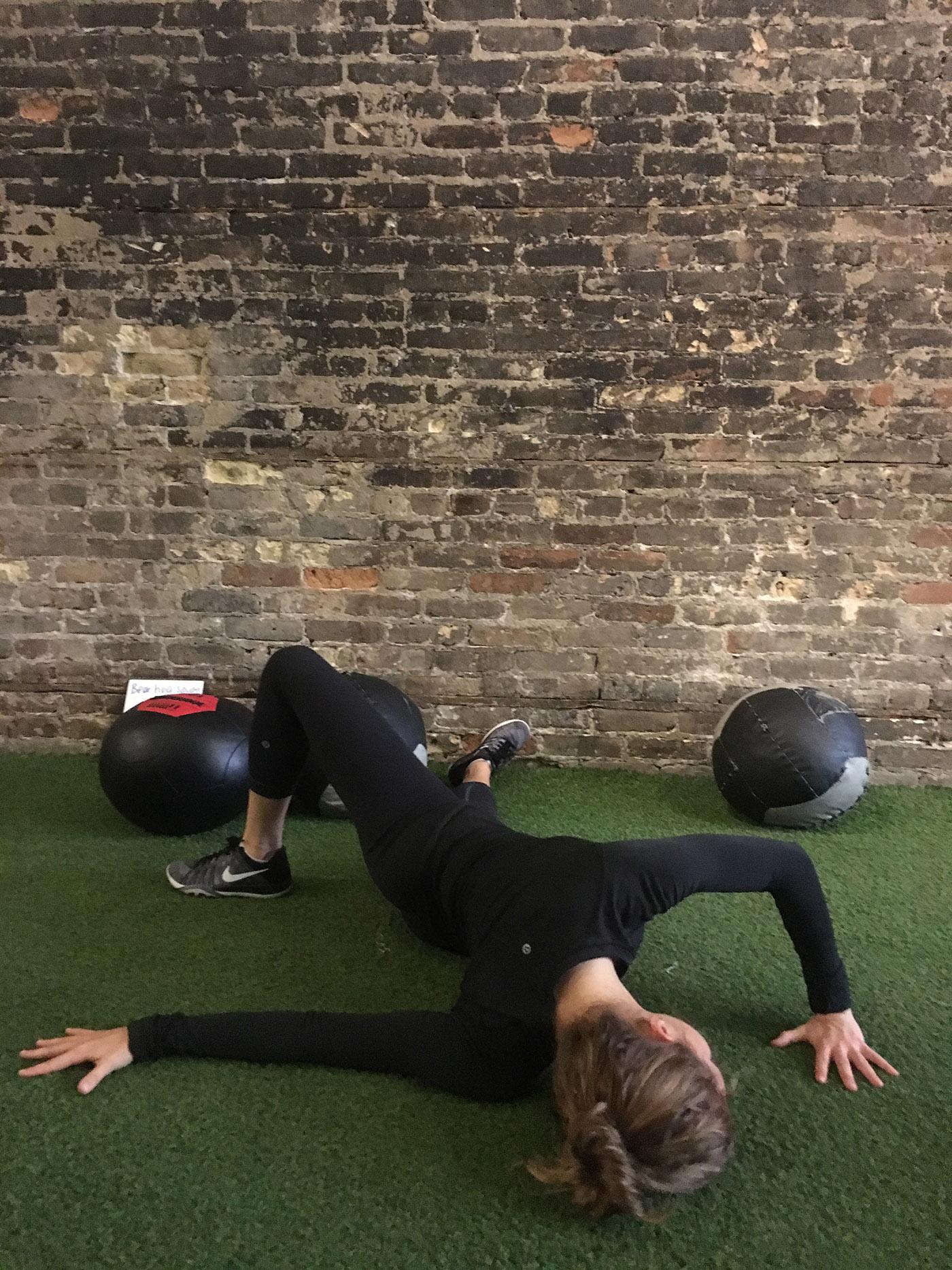 asweatlife_shouldermobility_fieldgoalstretch2