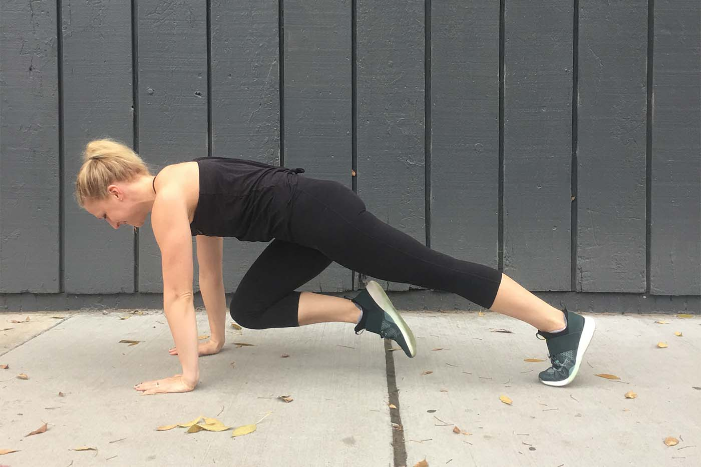 asweatlife_a-30-minute-workout-to-do-on-the-road-or-wherever-you-are_mountain-climbers_1