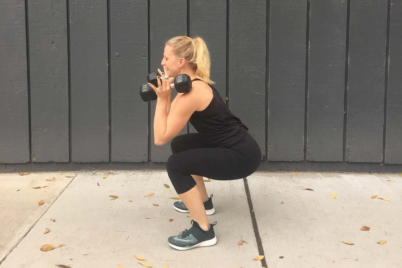 asweatlife_grab-a-set-of-dumbbells-and-get-stronger-in-just-30-minutes_squat-thruster_2