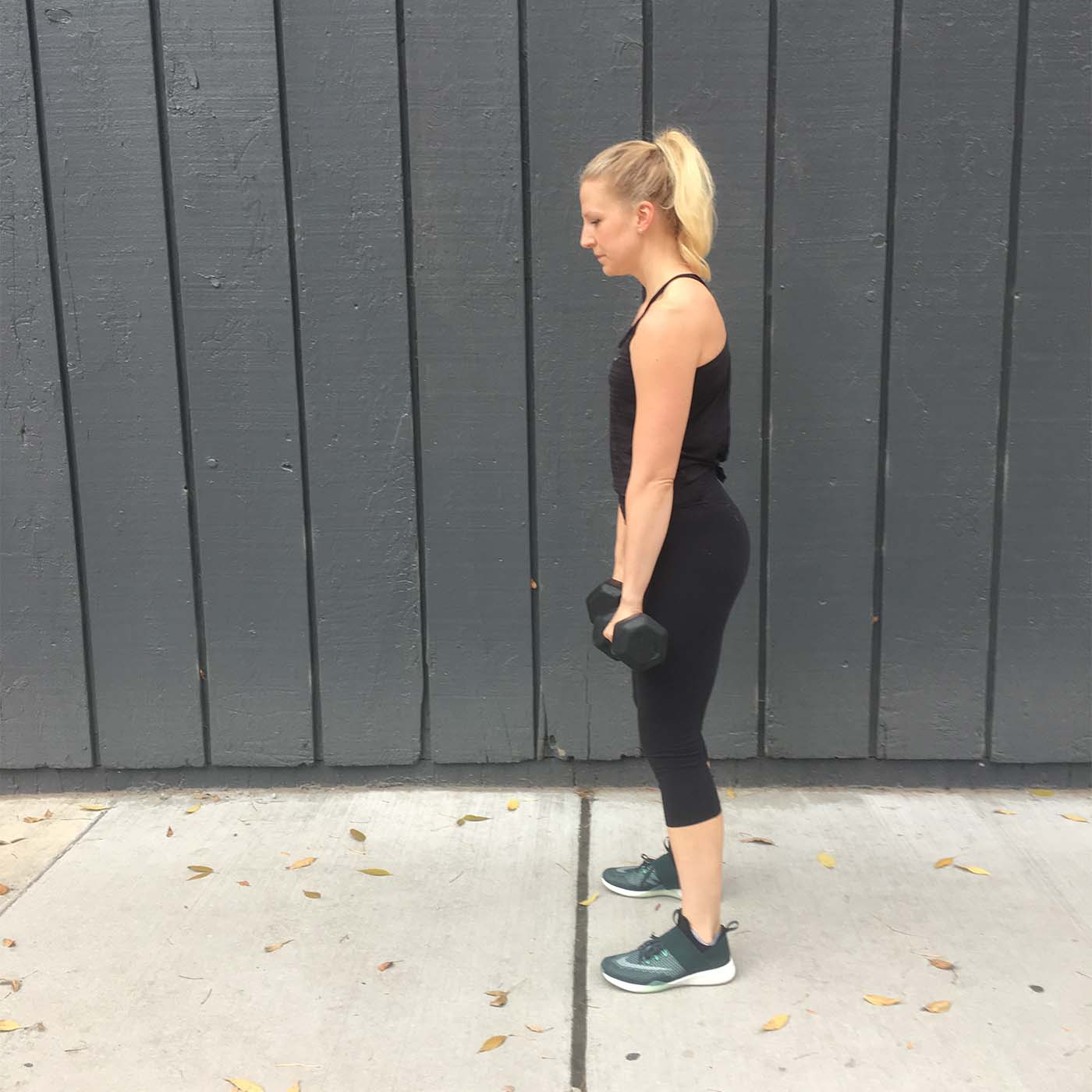 asweatlife_make-your-monday-strong-with-this-30-minute-workout_deadlifts_2