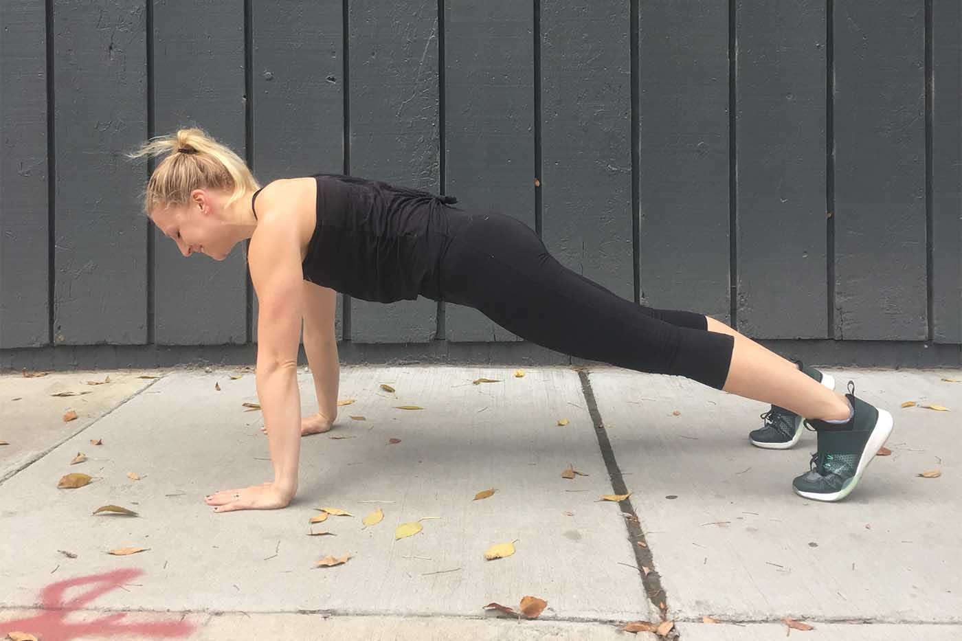 asweatlife_three-sets-two-ways-in-30-minutes_push-up_2