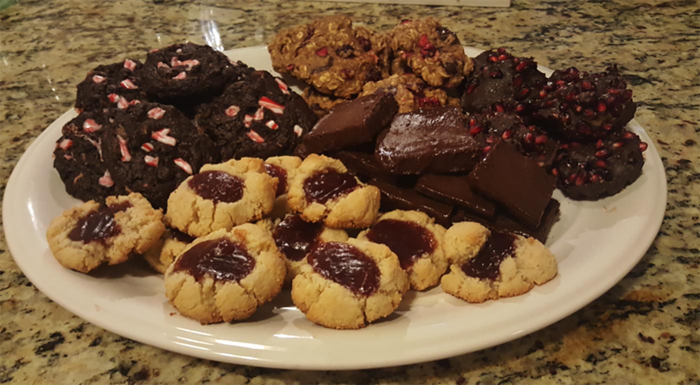 asweatlife_healthybaking_cookieplate
