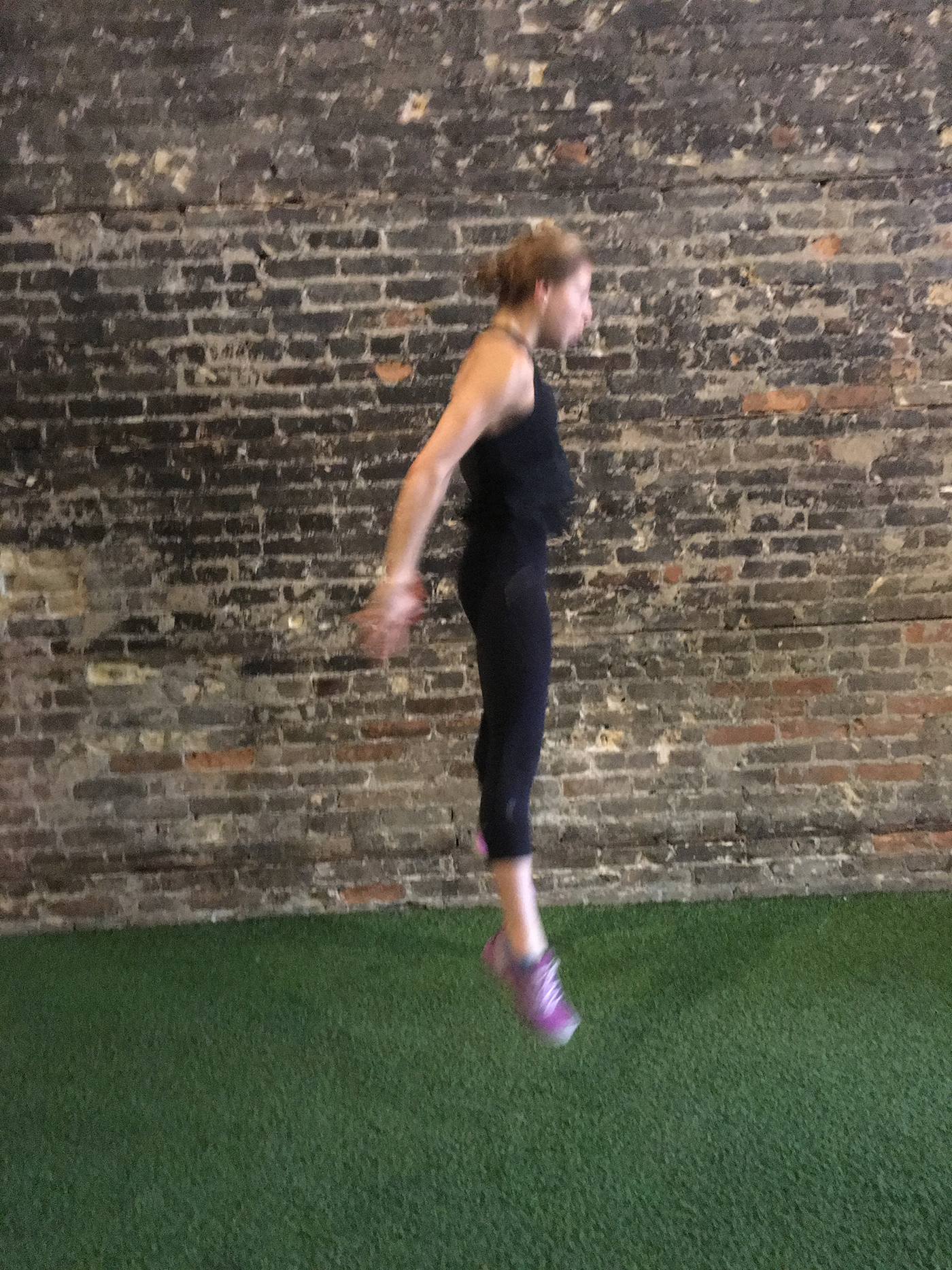 asweatlife_strengthsets_squatjump4