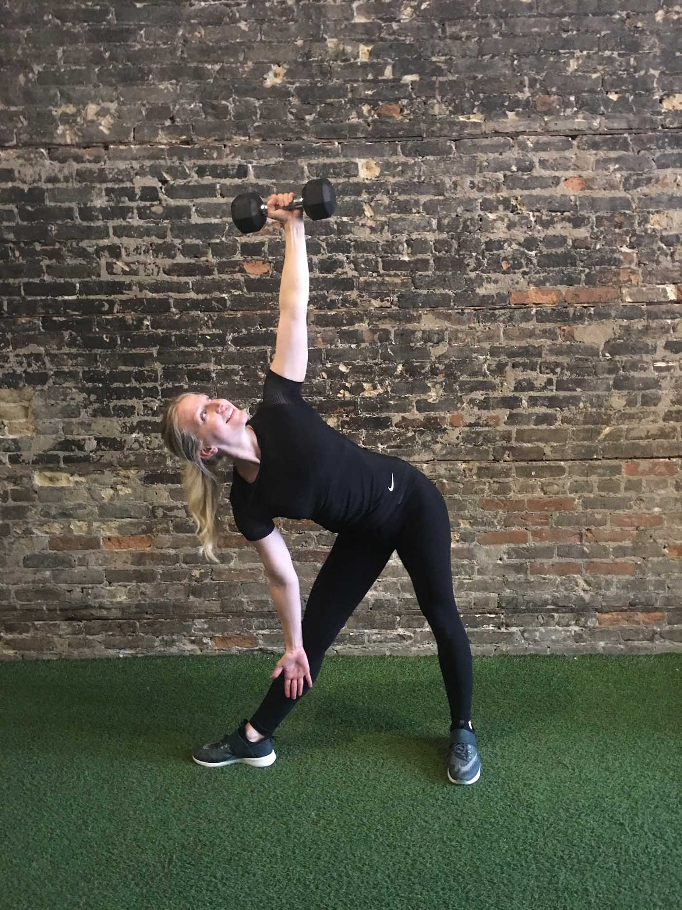 asweatlife_go-heavy-for-30-minutes-with-a-single-heavy-dumbbells_triangle-press_1