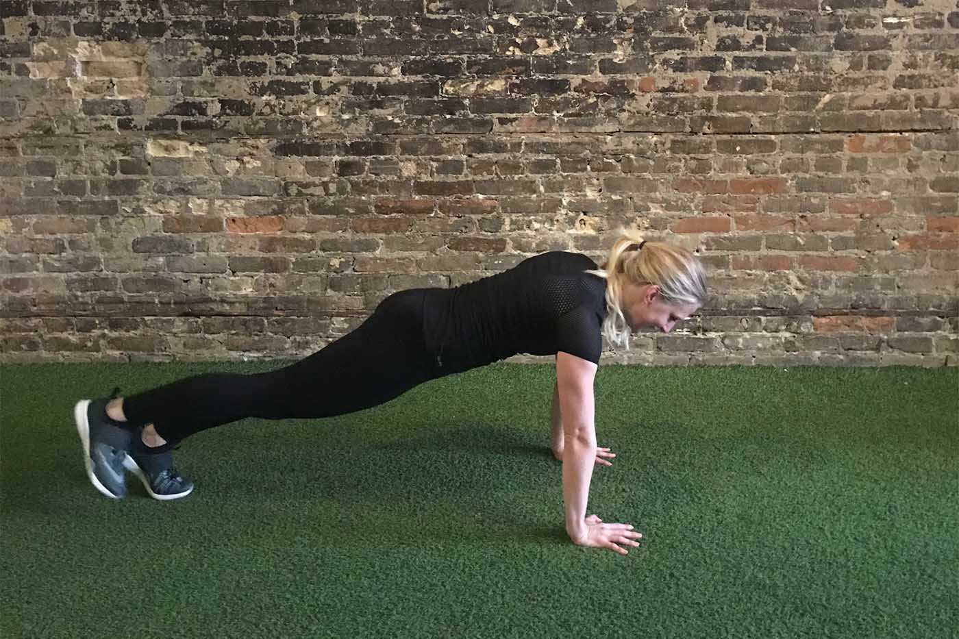 asweatlife_work-out-with-just-your-bodyweight-for-30-minutes_single-leg-burpees_4
