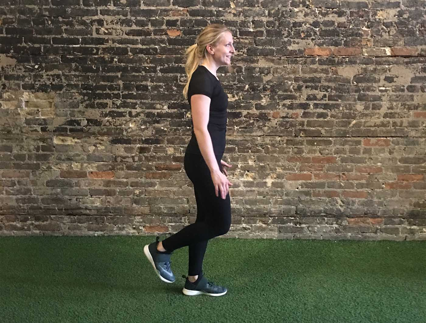 asweatlife_work-out-with-just-your-bodyweight-for-30-minutes_single-leg-burpees_6