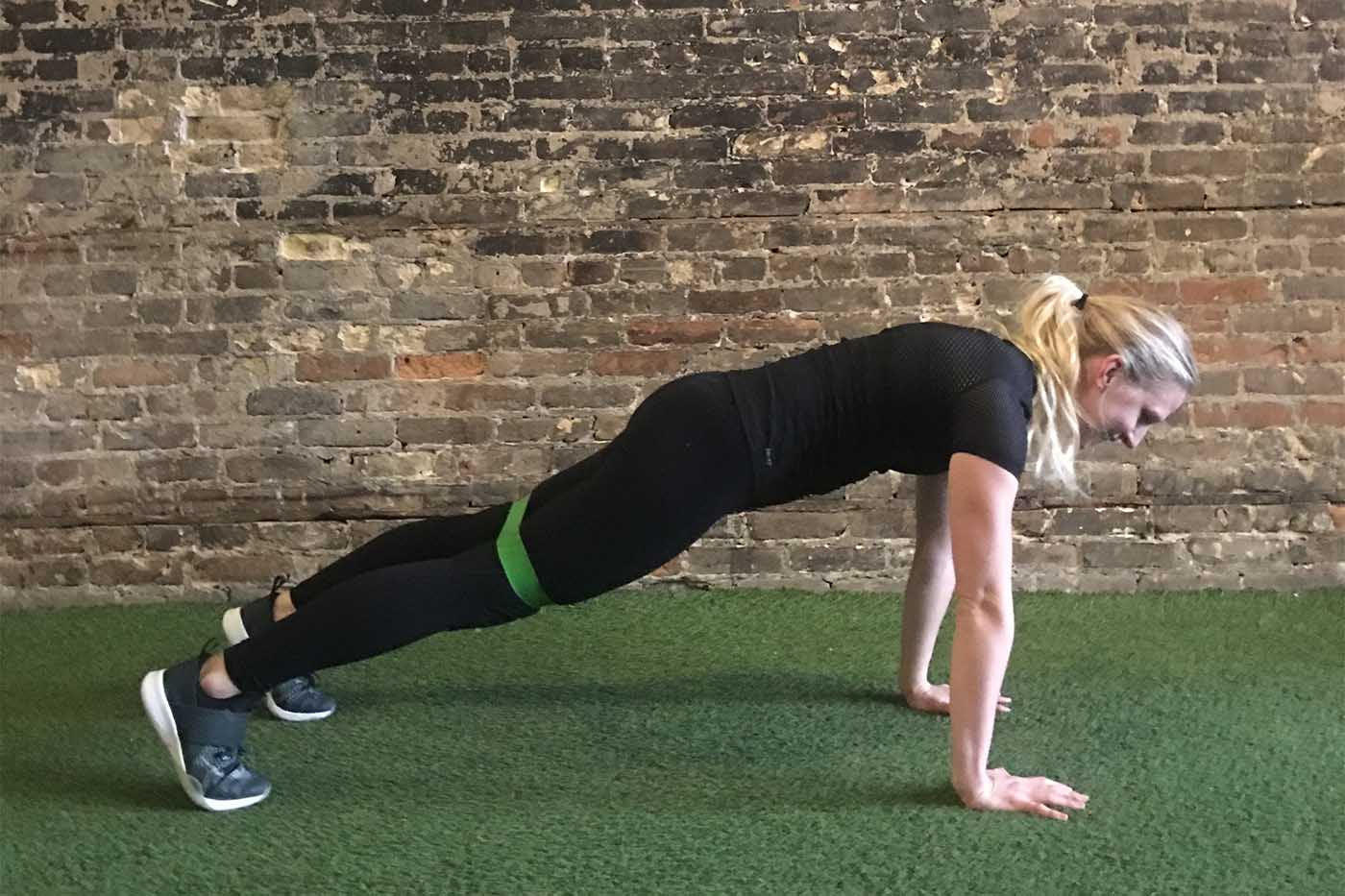asweatlife_your-30-minute-workout-with-a-band_russian-twists_plank-ankle-taps_4