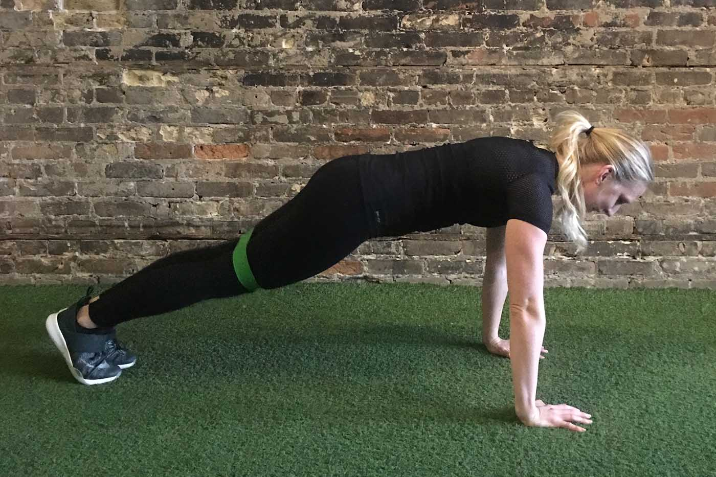 asweatlife_your-30-minute-workout-with-a-band_russian-twists_plank-jacks_1