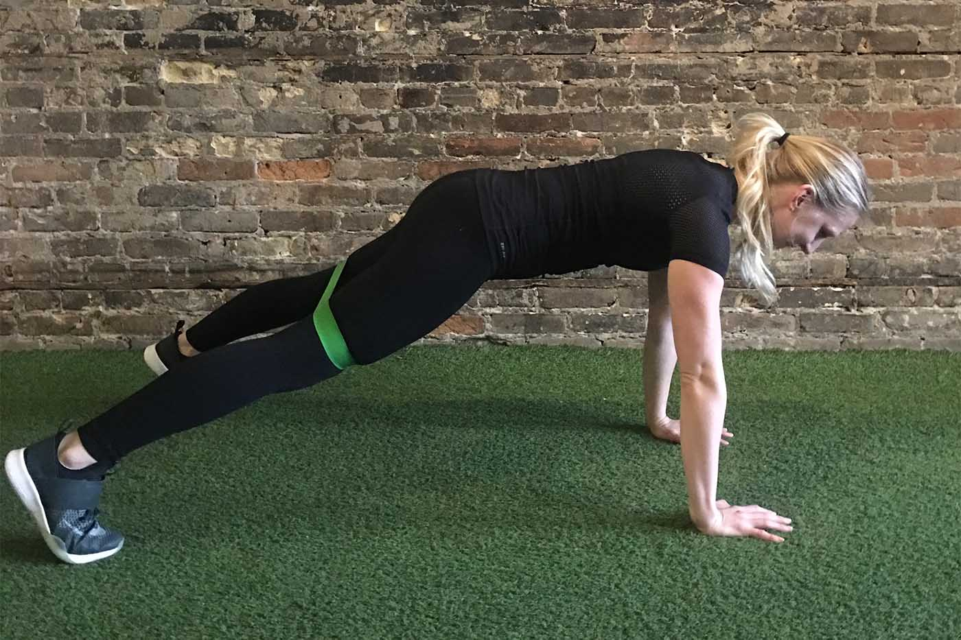 asweatlife_your-30-minute-workout-with-a-band_russian-twists_plank-jacks_2