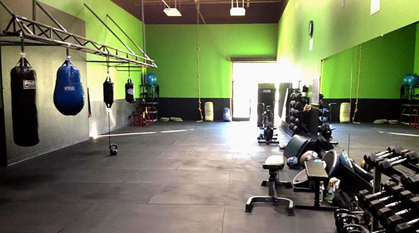 aSweatLife_GymSpotting_xplicit fitness