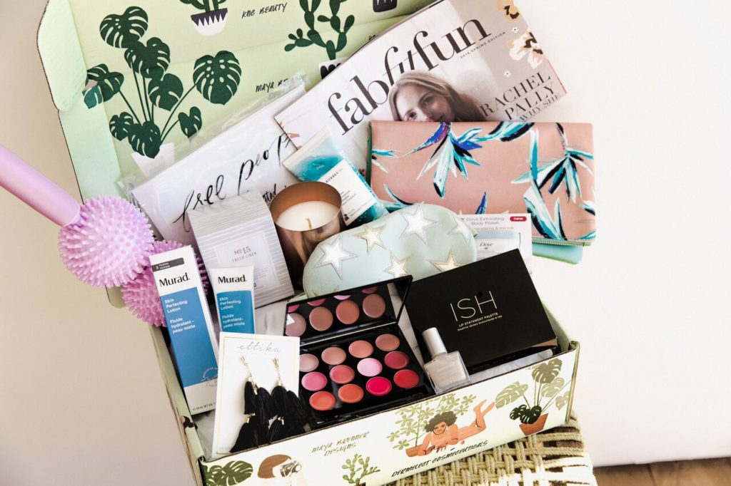 Fab Fit Fun fitness subscription box