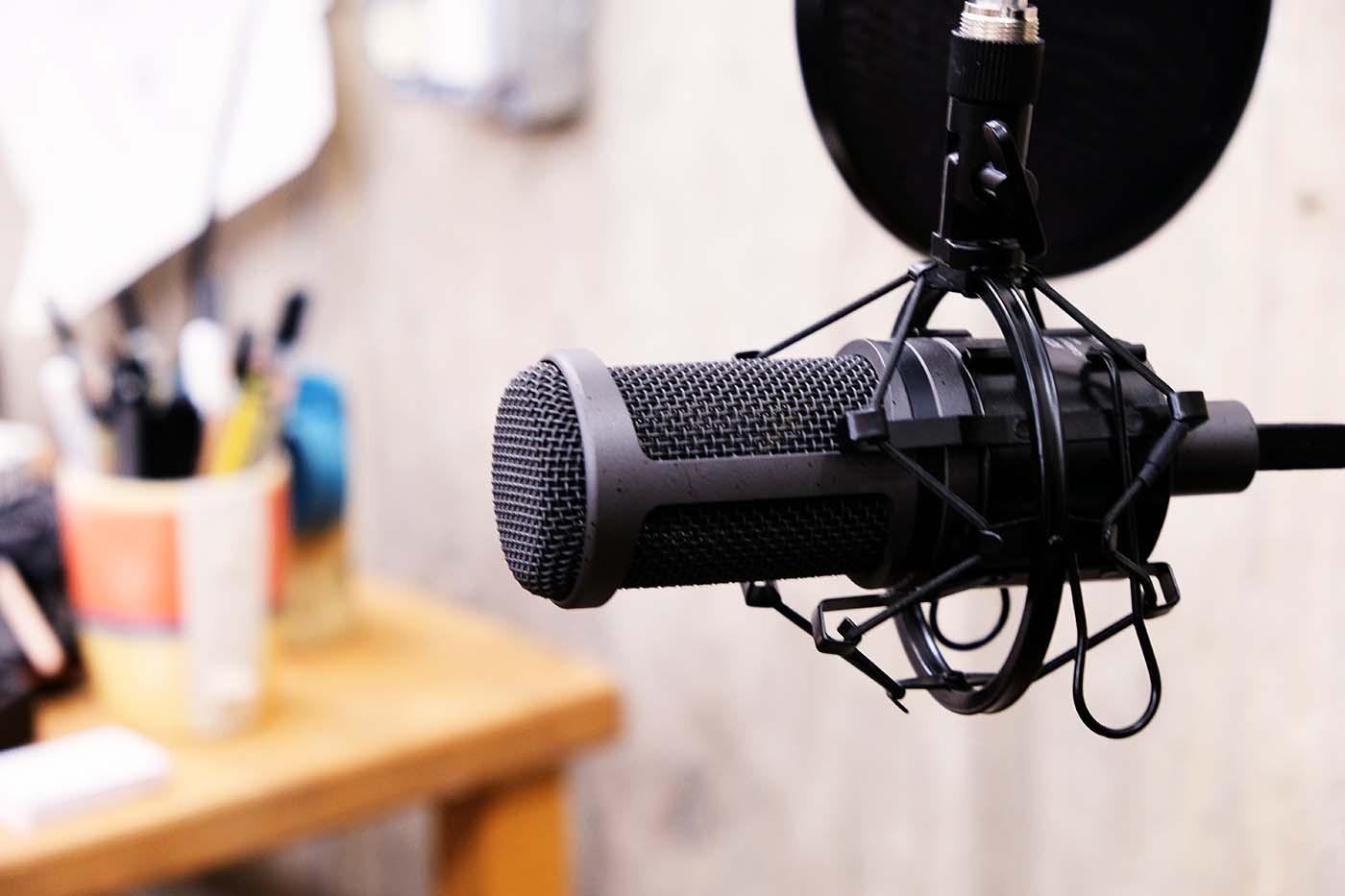 live podcast denise sauriol