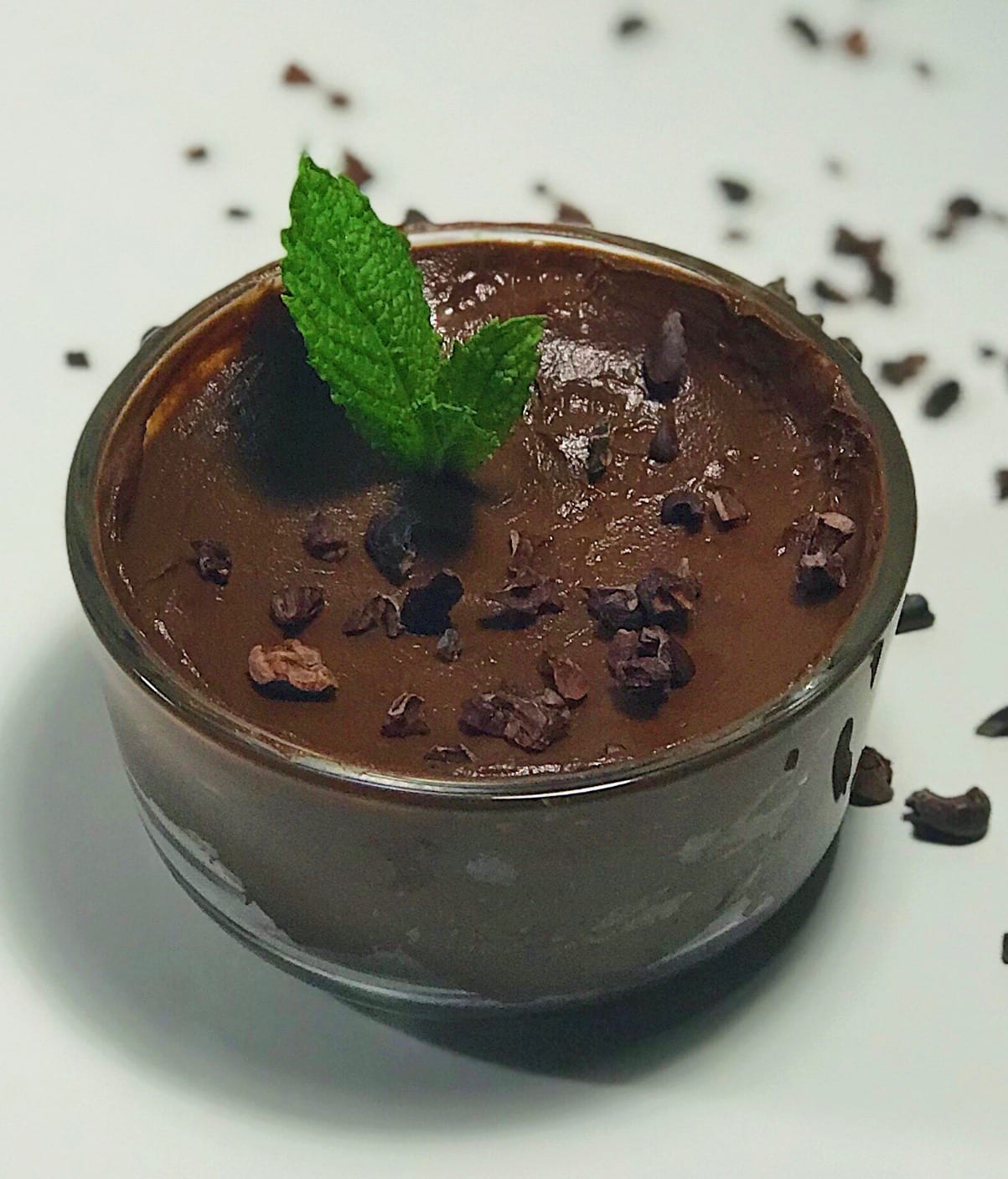 paleo avocado chocolate pudding dessert