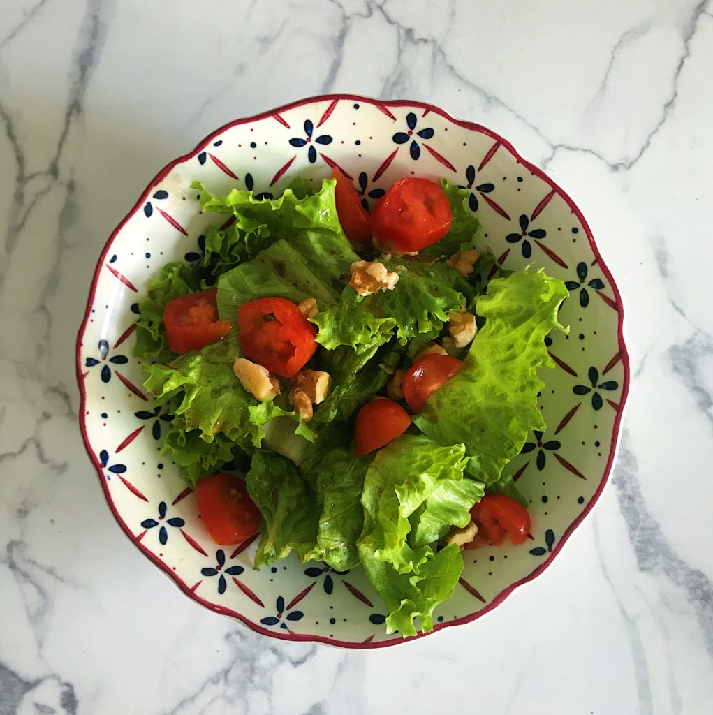 breakfast salad with lettuce, walnuts