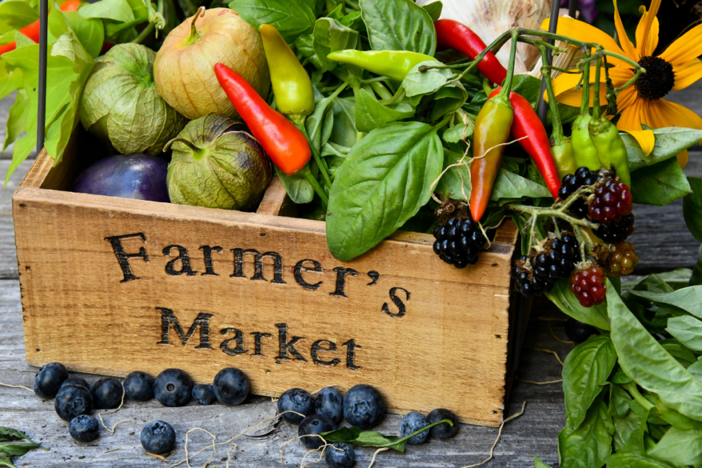 how to save money at the farmers' market