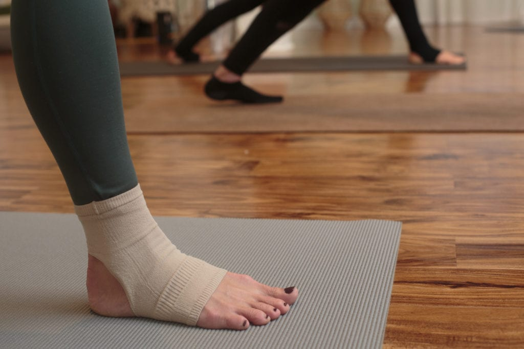 apolla performance yoga joule nue recovery compression sock